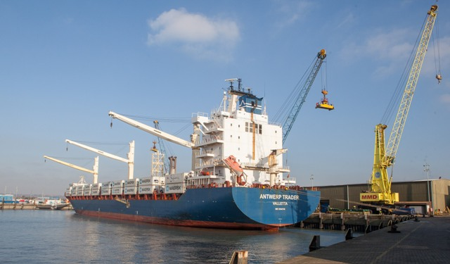 Largest Cargo Ship >> Maersk line largest cargo ship into Portsmouth | Ships Monthly