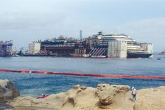 The salvaging of Costa Concordia
