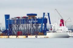 PORT NEWS: Rosyth Dockyard's Goliath crane arrives