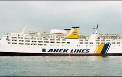 MEDITERRANEAN: Ferries in Libyan evacuations