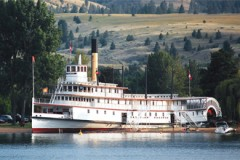 PADDLE STEAMER: Sicamous in Canada
