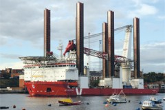 PORT NEWS: Turbines on the Tyne