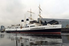 Queen Mary berths in Glasgow for the first time since 1977