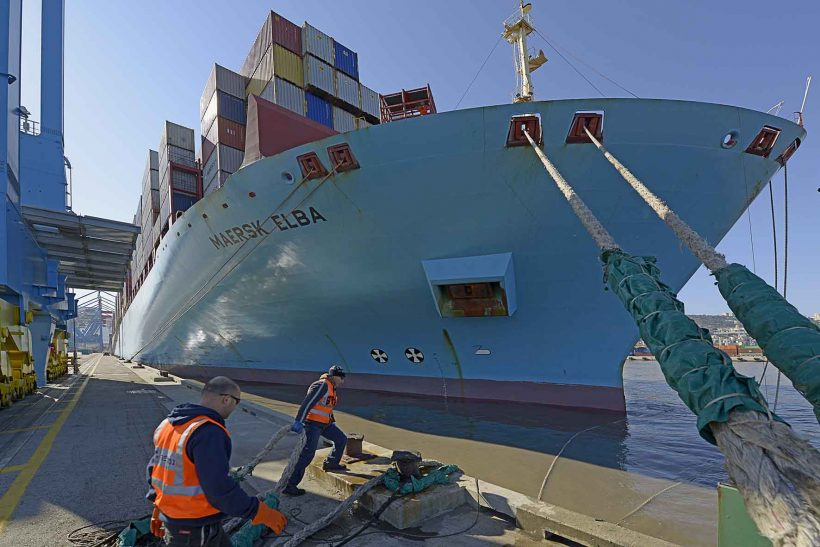 Israel welcomes first 14,000 TEU ship at Haifa Port