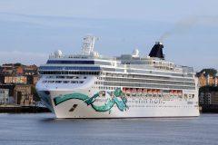 Norwegian Jade makes inaugural call on the Tyne