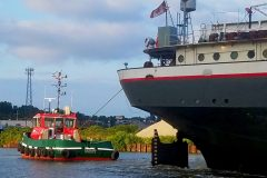 Great Lakes Towing takes new tug