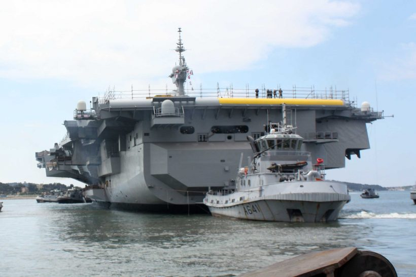 Mid-life refit of the aircraft carrier Charles de Gaulle completed