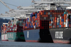 Hundreds of boxships held up by widespread port delays